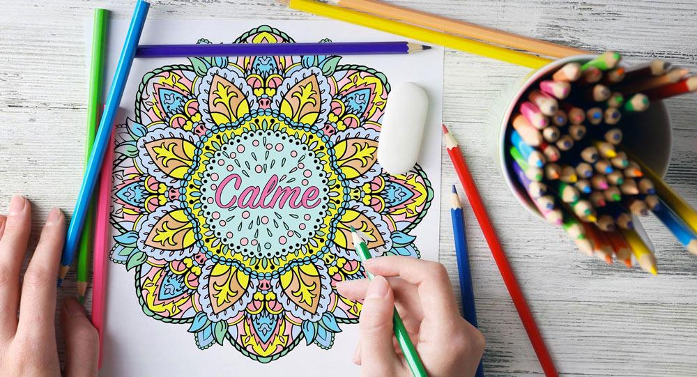 Calme : livre de coloriage adulte avec des mandala anti stress accompagnés de mots positifs